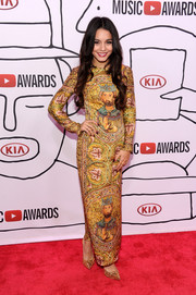 Vanessa Hudgens looked like a walking classical painting in this Dolce & Gabbana print dress during the YouTube Music Awards.
