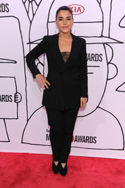 Jessie Ware kept it low-key in a basic black pantsuit during the YouTube Music Awards.