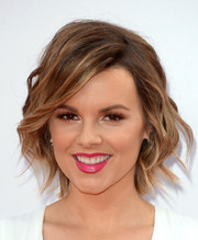 Ali Fedotowsky sweetened up her look with a vibrant pink lip.