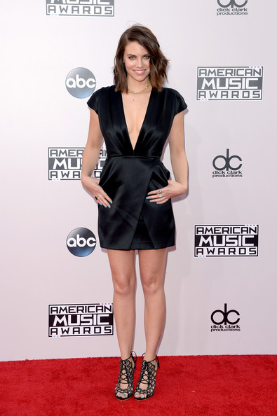 Lauren Cohan showed off her cleavage in a Blumarine satin LBD with a down-to-there neckline during the American Music Awards.