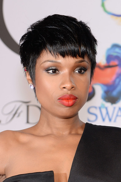 Jennifer Hudson S Edgy Pixie And Fire Engine Red Lips
