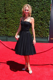 Beth Littleford was sweet and elegant in her fit-and-flare LBD during the Creative Arts Emmy Awards.