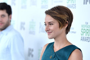 We love the sexy boyish charm of Shailene's side-swept 'do.
