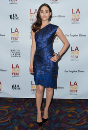Emmy Rossum looked flawless in a patterned blue J. Mendel one-shoulder dress during the screening of 'Comet.'