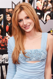 Bella Thorne kept it laid-back with this tousled layered 'do during the MTV Movie Awards.