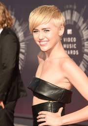 Miley rocked her signature pixie cut at the 2014 VMAs.