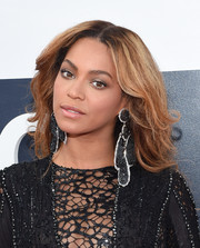 Beyonce Knowles rocked disheveled-chic waves at the MTV VMAs.