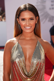 Rocsi Diaz left her hair down in a sleek straight center-parted style for the MTV VMAs.