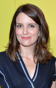 Tina Fey kept it casual with this side-parted hairstyle with flippy ends during the NBC Upfront Presentation.