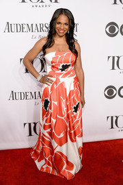 Audra McDonald charmed in a flower-print strapless gown by Escada during the Tony Awards.