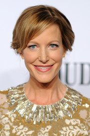 Anna Gunn pulled her hair back into a simple, soft updo for the Tony Awards.
