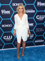 Maddie Hassen was all about classic sophistication in this white wrap dress at the Young Hollywood Awards.