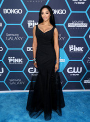Darnaa was sexy-goth in her black mermaid gown at the Young Hollywood Awards.