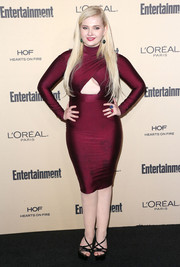 Abigail Breslin looked va-va-voom in a body-con burgundy cutout dress by Stello during the Entertainment Weekly pre-Emmy party.