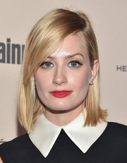 Beth Behrs looked simply stylish with her side-parted straight cut at the 2015 Entertainment Weekly pre-Emmy party.