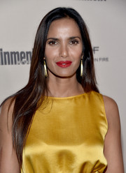 Padma Lakshmi kept it simple yet elegant with this loose, long hairstyle at the Entertainment Weekly pre-Emmy party.