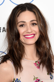 Emmy Rossum finished off her look with a hot-pink lip.
