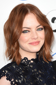 Emma Stone looked edgy yet fun with her blue-lined eyes.