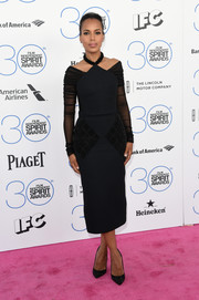 Kerry Washington hit the Film Independent Spirit Awards pink carpet wearing an ultra-modern cold-shoulder LBD by Balenciaga.