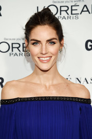 Hilary Rhoda didn't need much more than this simple bun to look oh-so-beautiful at the Glamour Women of the Year Awards.