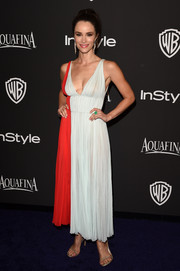 Abigail Spencer looked like a modern-day goddess in a two-tone empire-waist cocktail dress during the InStyle and Warner Bros. Golden Globes party.