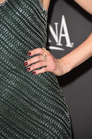 Michelle Monaghan opted for a dark red mani when she attended the 2015 InStyle and Warner Bros. Golden Globes party.