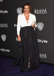 Alexandra Billings finished off her classic-glam outfit with a long black skirt.