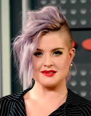 Kelly Osbourne's fauxhawk at the MTV VMAs actually looked glam!
