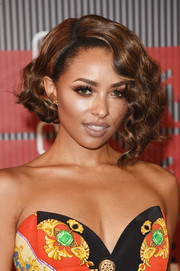 Kat Graham looked cool and glam with her short, asymmetrical waves at the MTV VMAs.