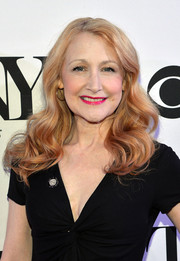 Patricia Clarkson looked lovely with her bouncy, vintage-style waves at the Tony Award nominees meet-and-greet event.