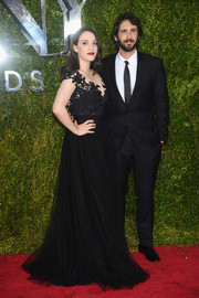 Kat Dennings wore a black gown with a lace bodice and a tulle skirt during the Tony Awards.