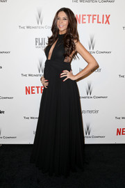 Terri Seymour was a daring mom-to-be in a cleavage-baring black cutout gown during the Weinstein Company and Netflix Golden Globes party.