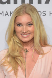 Elsa Hosk opted for a casual yet sweet wavy 'do when she attended the amfAR New York Gala.