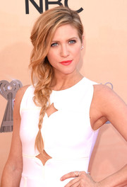 Brittany Snow looked romantic with her loose side braid at the iHeartRadio Music Awards.