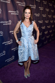 Kimberly Williams-Paisley was classic and elegant in an ice-blue jacquard cocktail dress at the Alzheimer Association's A Night at Sardi's event.