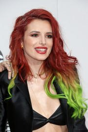 Bella Thorne rocked red and neon-green hair at the 2016 AMAs.
