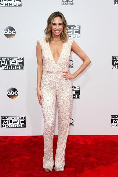 Keltie Knight looked disco-ready in a sequined jumpsuit with a plunging neckline at the 2016 AMAs.