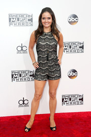 Danica McKellar showed off her super-toned legs in a monochrome lace romper at the 2016 AMAs.