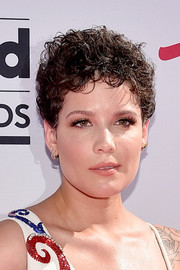 Halsey attended the Billboard Music Awards wearing her hair in tight curls.