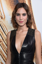 Alexa Chung stuck to her usual short waves when she attended the 2016 CFDA Fashion Awards.