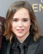Ellen Page wore a short wavy cut at the 2016 Creative Arts Emmy Awards.