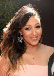 Tamera Mowry-Housley looked glam with her side-swept ombre waves at the 2016 Daytime Emmy Awards.