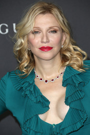 Courtney Love sported classic shoulder-length curls at the 2016 LACMA Art + Film Gala.