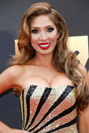 Farrah Abraham flaunted perfectly styled vintage curls at the MTV Movie Awards.