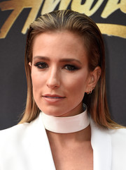 Renee Bargh wore her hair straight and slicked back at the top when she attended the MTV Movie Awards.