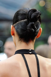 Nargis Fakhri went for playful styling with this pair of hair knots at the MTV Movie Awards.