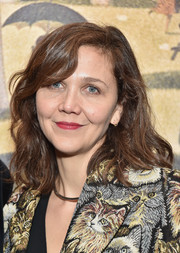 Maggie Gyllenhaal kept it classic with this shoulder-length wavy 'do with side-swept bangs at the 2016 New York City Center Gala.