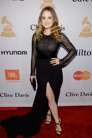 Jojo looked va-va-voom at the Pre-Grammy Gala in a black fishtail gown with a thigh-high slit.