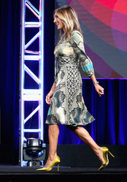 Sarah Jessica Parker chose a chic print dress by Etro for day 4 of the 2016 Summer TCA Tour.