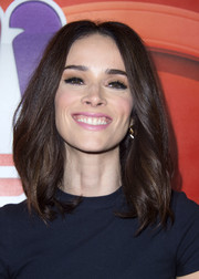 Abigail Spencer framed her face with a center-parted lob for the NBCUniversal Summer TCA Tour.